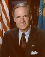 Photo Sen. Tom Carper