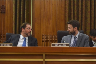 D.C. Council members David Grosso (I-At Large), left, and Charles Allen (D-Ward 6) at a council meeting in May.