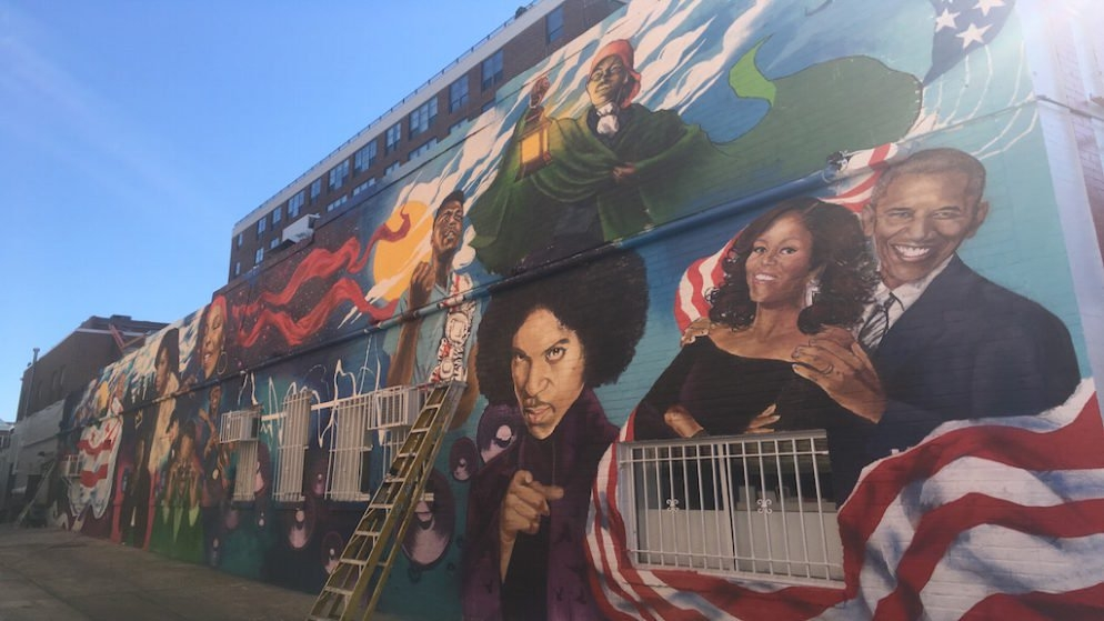 IDAVE CHAPPELLE at Ben's Chili Bowl Mural Unveiling